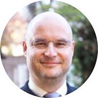 トーマス・シェヴリエ、PhD. - おつりで投資 トラノコ